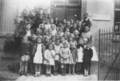 L'école sous l'occupation, vers 1943-1944, classes de mlles Savelon et Caussin. Archive communale.